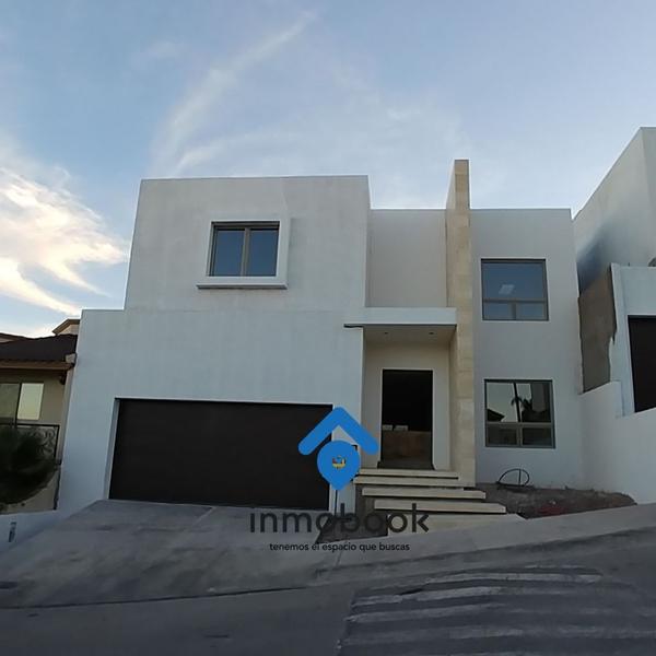 Foto Casa en Venta en  Residencial Cima de La Cantera,  Chihuahua  AV. TOMAS VALLES VIVAR