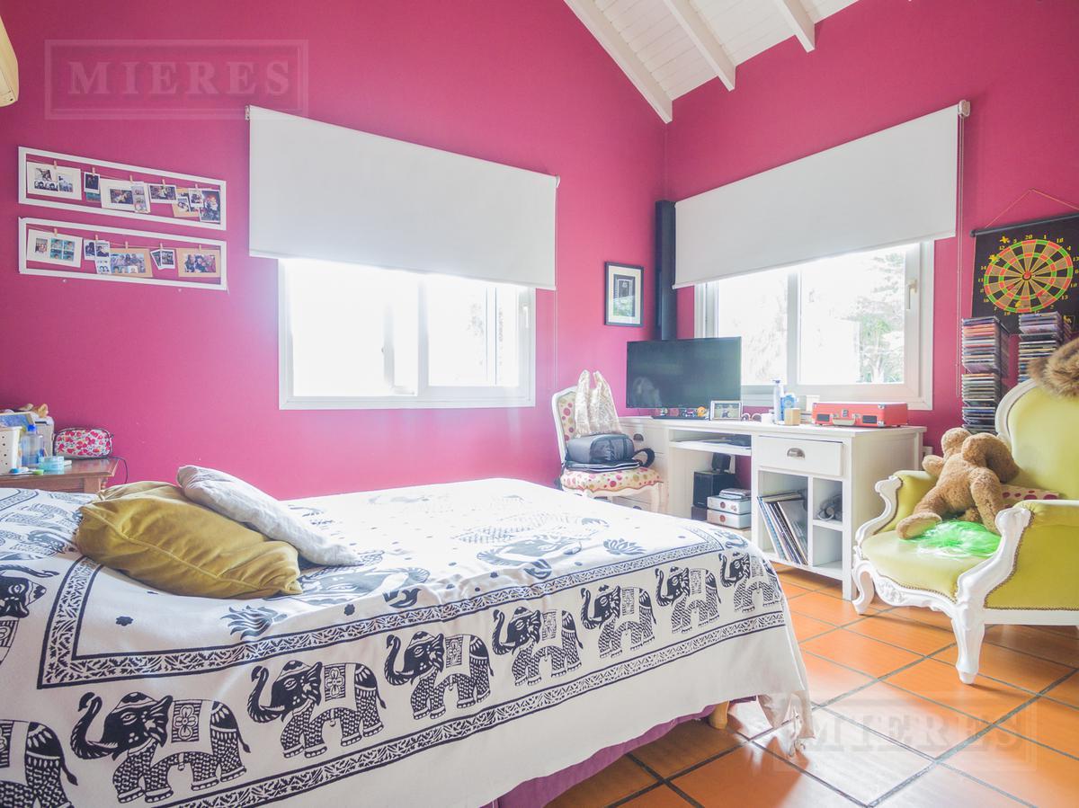 Muy linda casa en Las Lomas de San Isidro