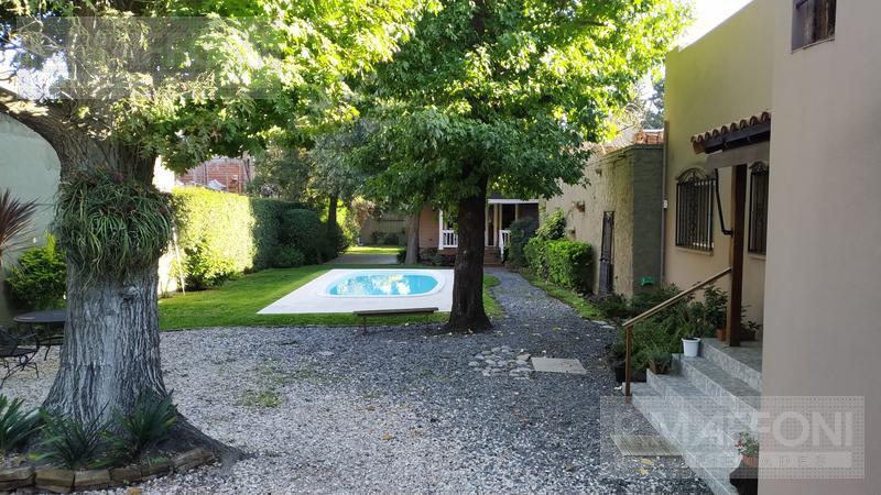 Foto Casa en Venta en  Burzaco Este,  Burzaco  Alsina al 1400