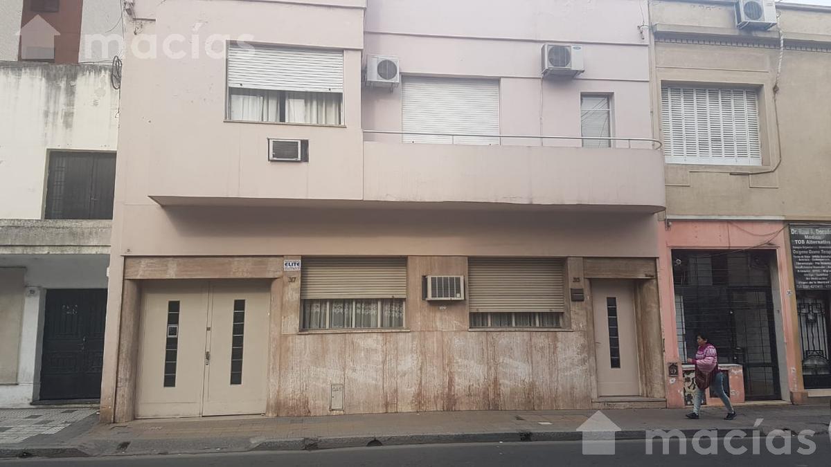 Foto Casa en Venta en  Capital ,  Tucumán  RIVADAVIA al 200