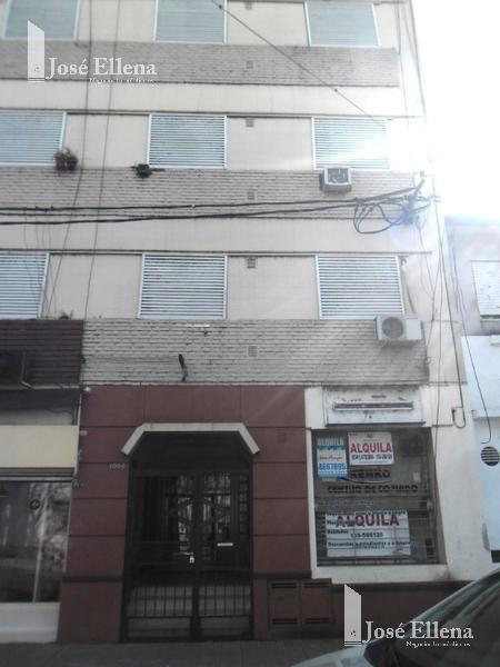 Foto Departamento en Venta en  Macrocentro,  Rosario  Rueda al 1000