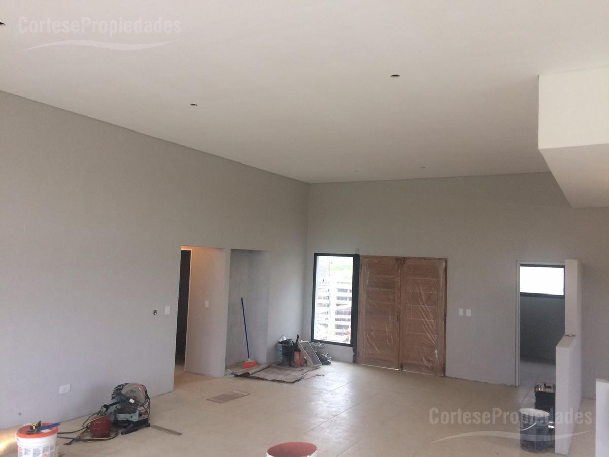 Foto Casa en Venta   Alquiler en  Ceibos,  Puertos del Lago  Barrio Ceibos