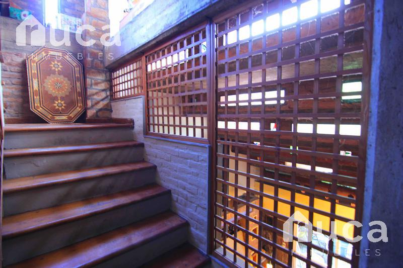 Foto Casa en Venta en  Villa Urquiza ,  Capital Federal  Importante casa de 4 dormitorios y pileta  Miller al 1900