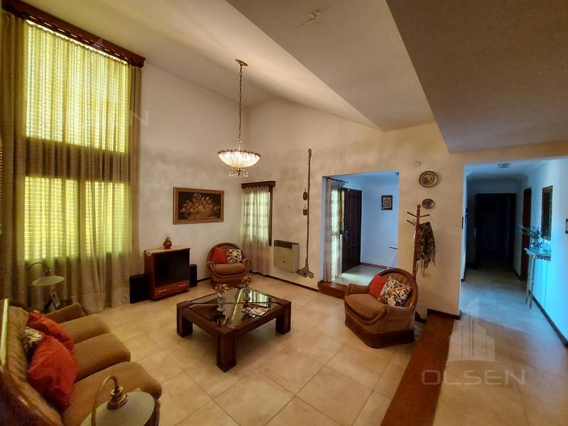 Foto Casa en Venta en  Cerro De Las Rosas,  Cordoba  Hector Alvarez Igarzabal al 1500