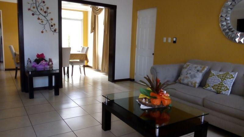 Foto Casa en condominio en Venta en  Zona 4,  Mixco  CASA NAVARRA EN VENTA EN CONDADO EL NARANJO