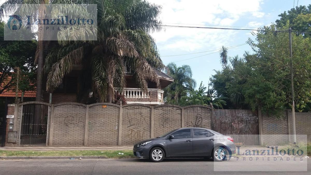 Foto Casa en Venta en  Lanús Oeste,  Lanús  25 de Mayo al 1040 Chalet