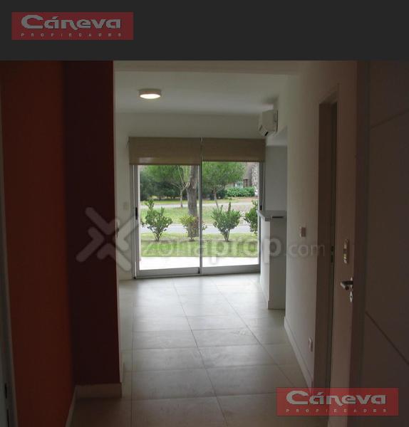 Foto Departamento en Venta en  Santa Barbara,  Countries/B.Cerrado (Tigre)  Complejo Pradera con Jardin
