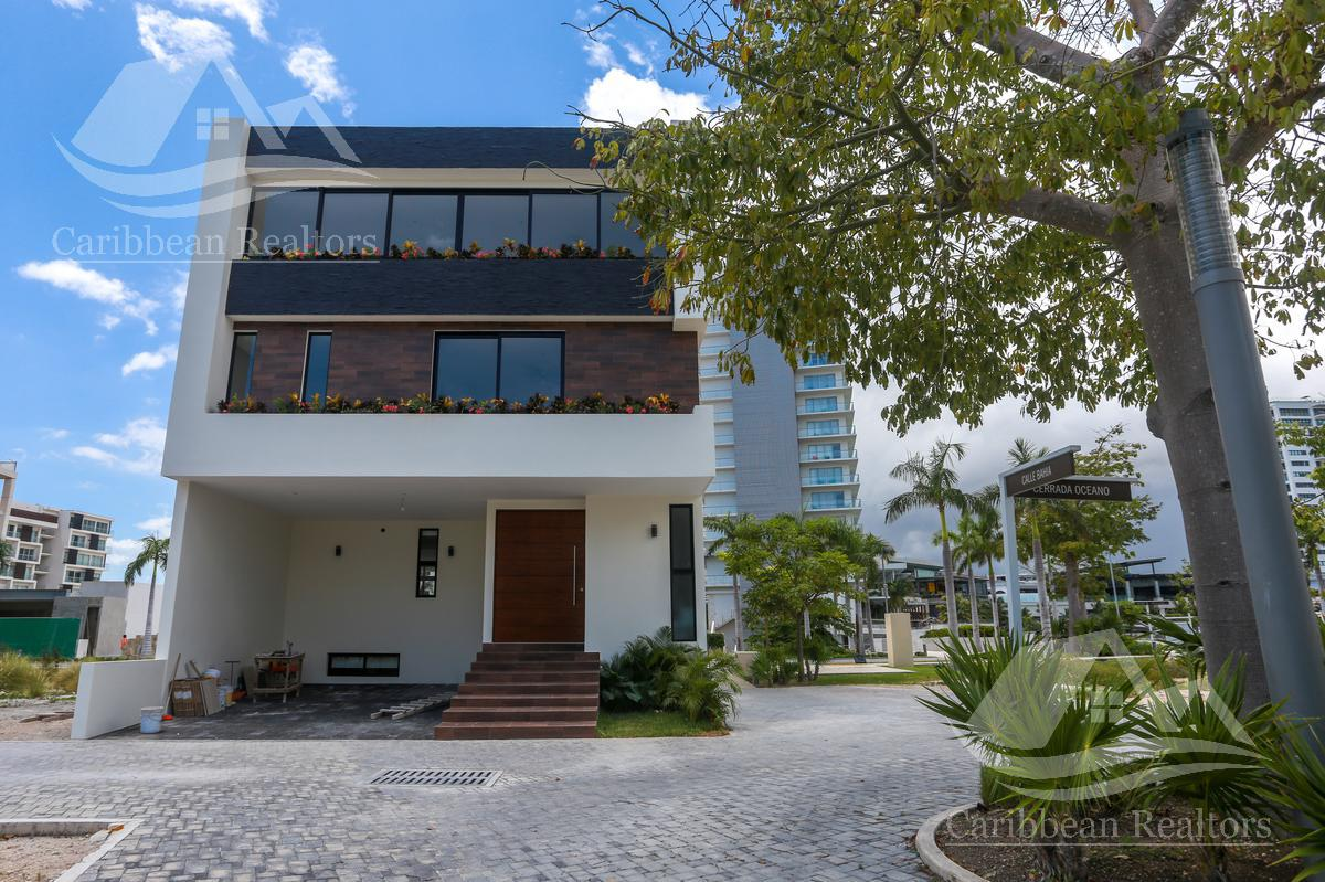 Picture House in Sale in  Puerto Cancún,  Cancún  Puerto Cancún