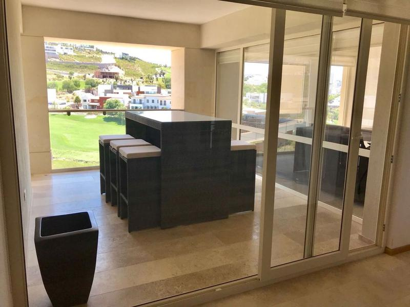 Foto Departamento en Renta en  Club de Golf la Loma,  San Luis Potosí  Amplio Exclusivo Penthouse Amueblado con Vistas Panorámicas en Renta en Fracc. Club de Golf La Loma