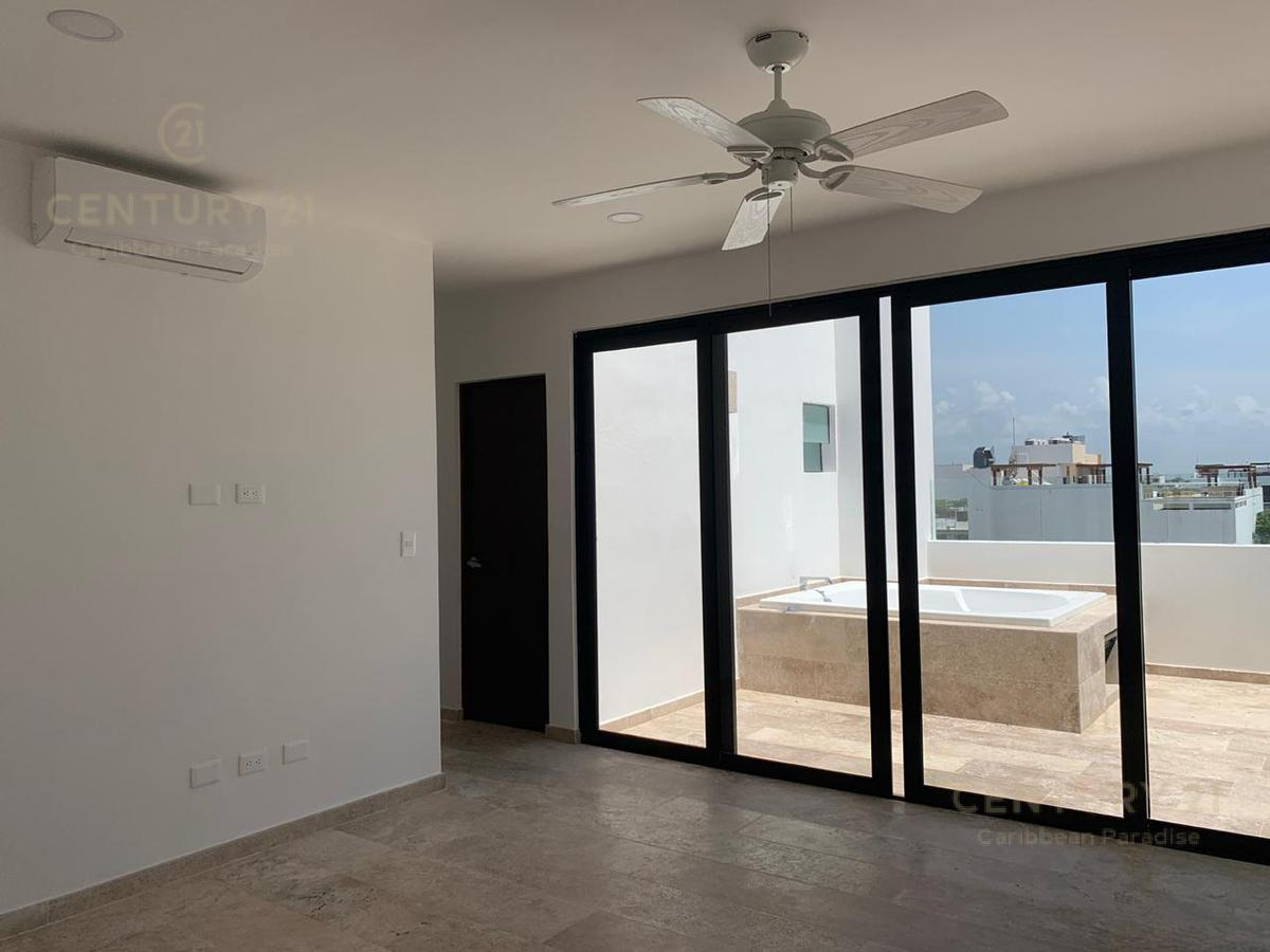 Playa del Carmen Apartment for Sale scene image 43