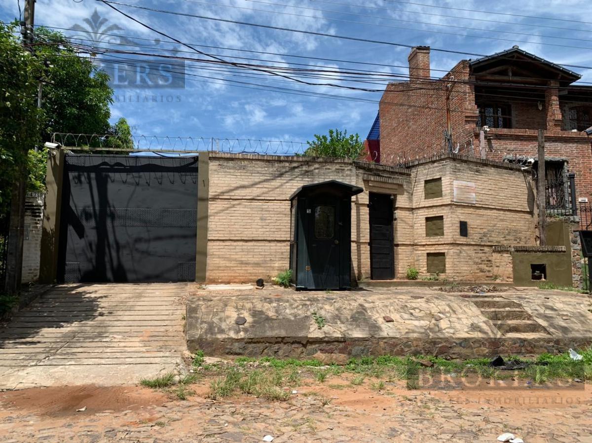 Foto Terreno en Venta en  Mburucuya,  Santisima Trinidad  Vendo Terreno Con Casa a Refaccionar  o Demoler En Barrio Mburucuya