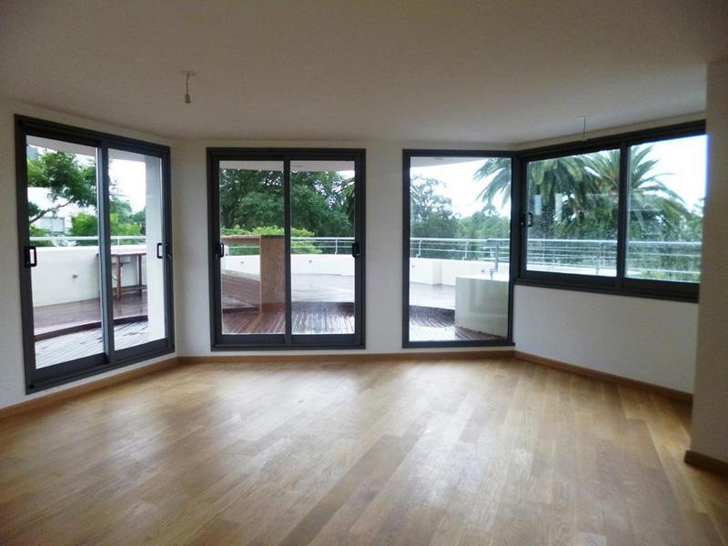 Foto Apartamento en Alquiler en  Golf ,  Montevideo  Julio Ma. Sosa 2200