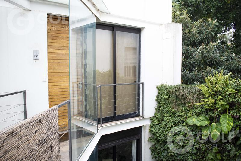 Foto Departamento en Alquiler en  Punta Carretas ,  Montevideo  Majestuoso loft con salida a terraza con parrillero exclusivo