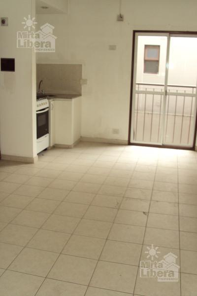 Foto Departamento en Alquiler en  La Plata ,  G.B.A. Zona Sur  Calle 1 entre 67 y 68