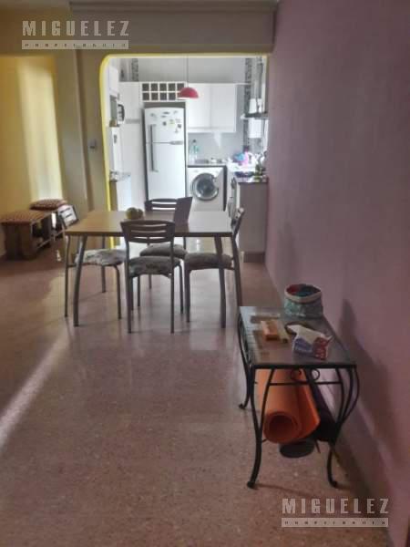 Foto Departamento en Venta en  Banfield,  Lomas De Zamora  Maipu 667 1°G