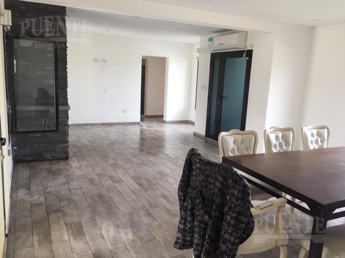 Foto Casa en Alquiler temporario en  Fincas de San Vicente,  San Vicente  Fincas de San Vicente Sporting