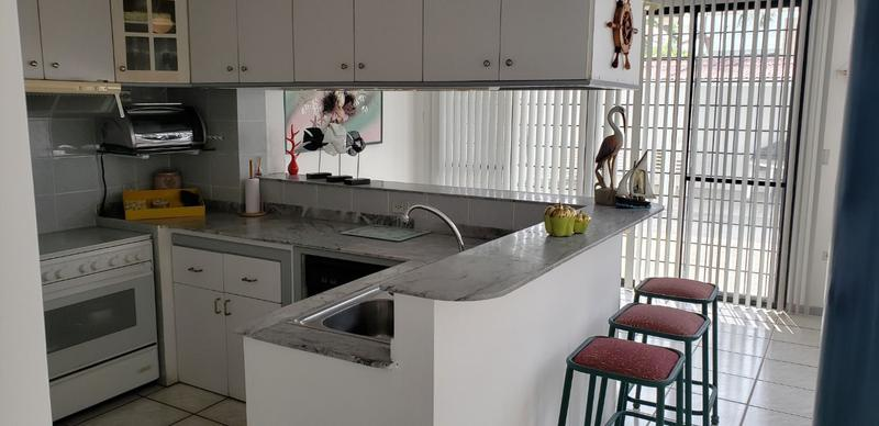 Foto Casa en Venta en  Salinas ,  Santa Elena      VENDO CASA SALINAS URBANIZACION PRIVADA