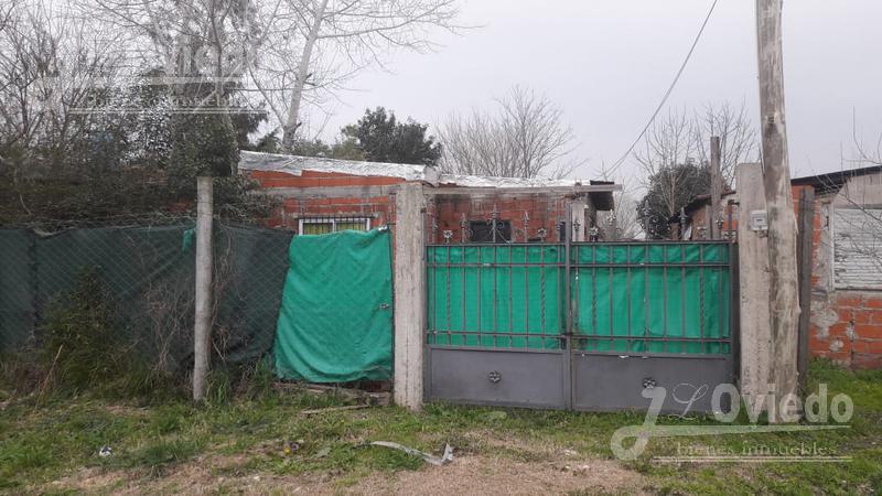 Foto Casa en Venta |  en  General Rodriguez ,  G.B.A. Zona Oeste  San Martin al 200
