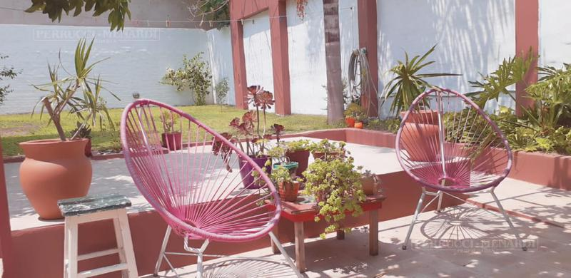 Foto Casa en Venta en  Villa Ballester,  General San Martin  Sarandi al 3700