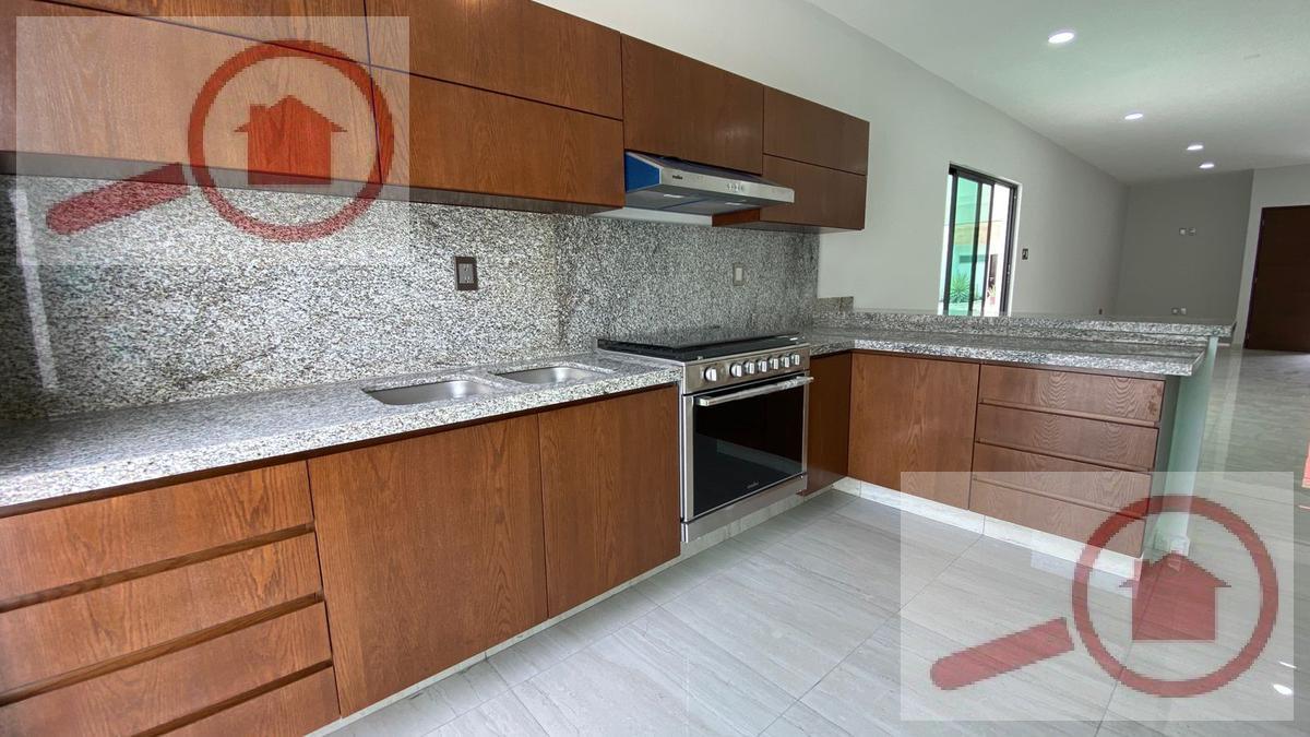 Foto Casa en Venta en  Fraccionamiento Lomas del Sol,  Alvarado  Casa con Alberca en Venta en Lomas del Sol