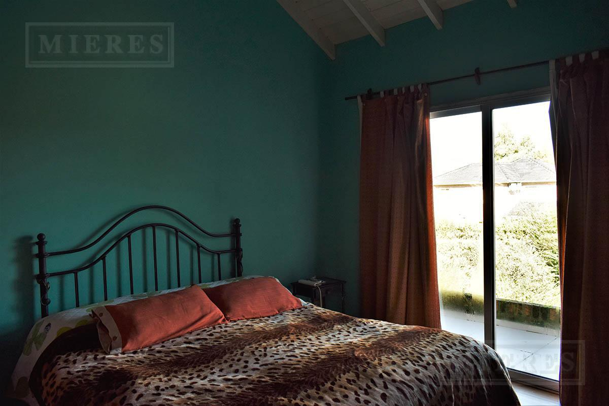 Casa de 180 mts en  La Delfina