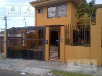 Foto Casa en Venta en  Curridabat,  Curridabat  ABEDULES, GUAYABOS DE CURRIDABAT