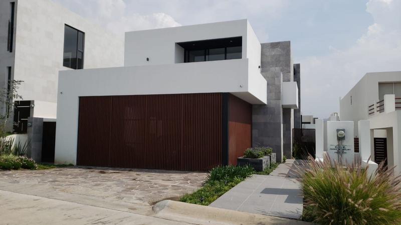 Casa en Venta en Residencial El Molino en León Gto Condominio XIV