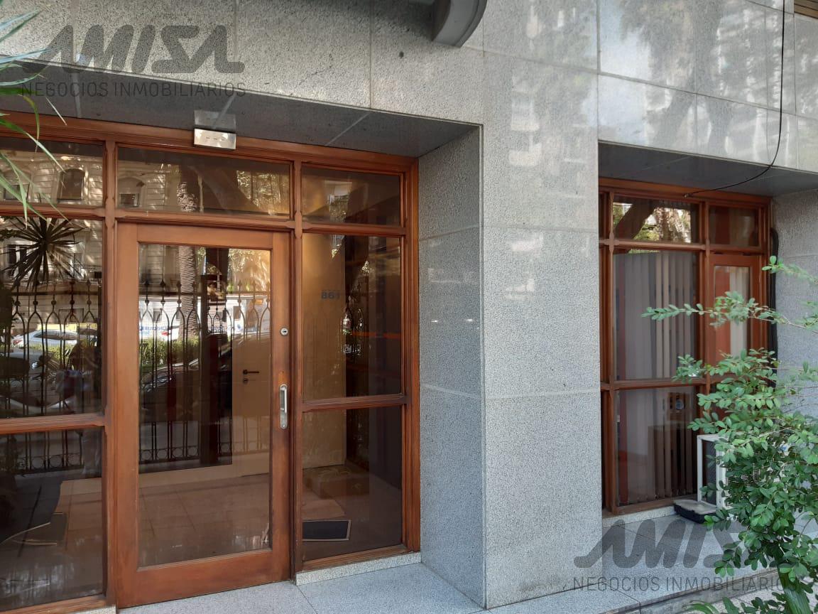 Foto Oficina en Alquiler en  Microcentro,  Rosario  Bv Oroño al 800