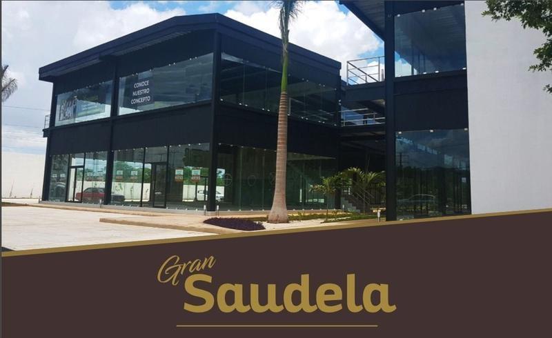 Foto Local en Renta en  Santa Rita Cholul,  Mérida          Locales comerciales en Renta al Norte Mérida, en Plaza Comercial