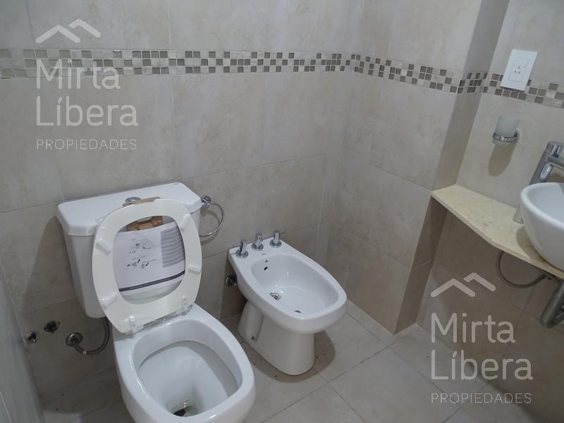 Foto Departamento en Venta en  La Plata ,  G.B.A. Zona Sur  42 y Diag 77 al 700