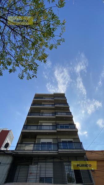 Foto Departamento en Venta en  Macrocentro,  Rosario  San Luis al 2400