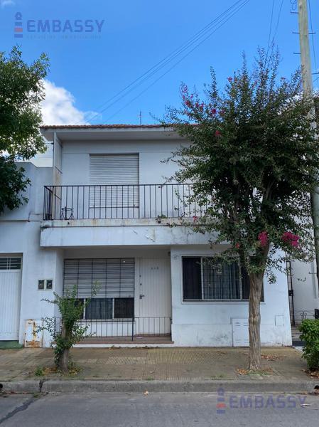 Foto Casa en Venta en  Mart.-Santa Fe/Fleming,  Martinez  Corrientes al 300