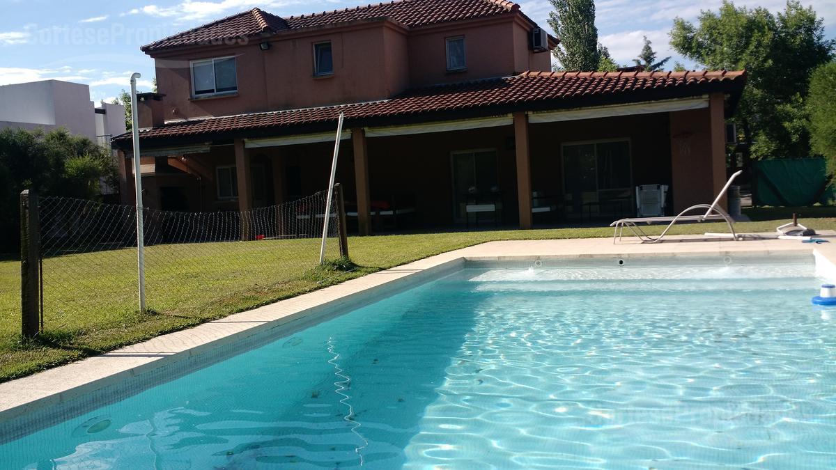 Foto Casa en Alquiler temporario en  Santa Catalina,  Villanueva  Barrio Santa Catalina, Villanueva
