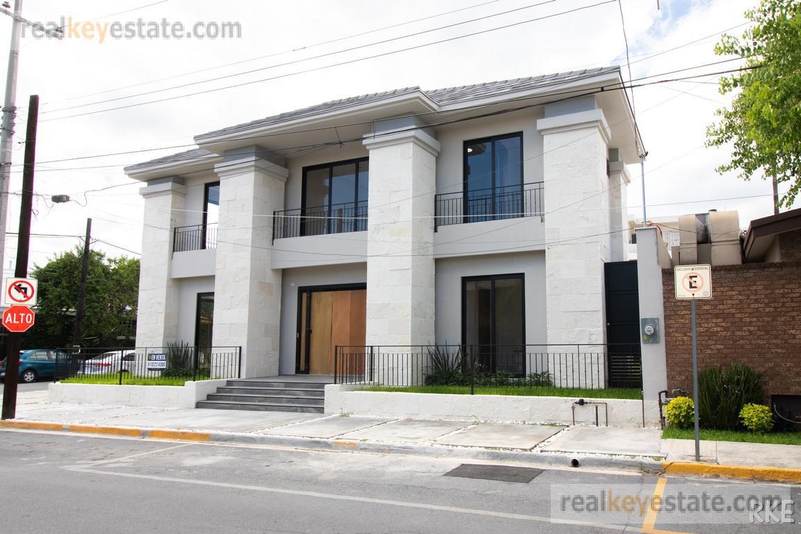 Foto Casa en Venta en  Del Valle,  San Pedro Garza Garcia  Casa en Venta en San Pedro Garza García, Los Ríos
