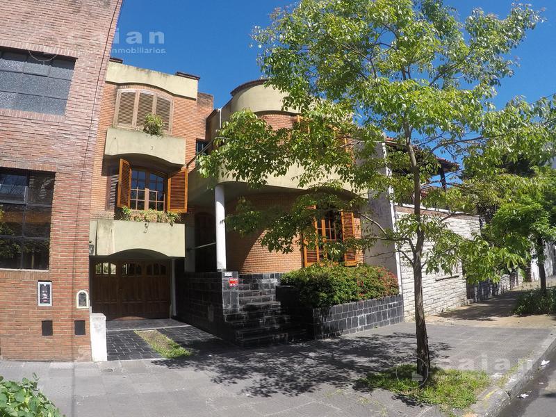 Foto Casa en Venta en  Villa Urquiza ,  Capital Federal  Plaza 2800, CABA