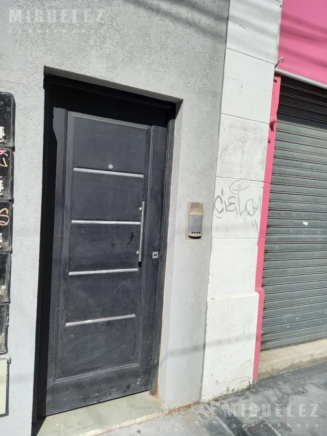 Foto Departamento en Venta en  Temperley,  Lomas De Zamora  Meeks 1090