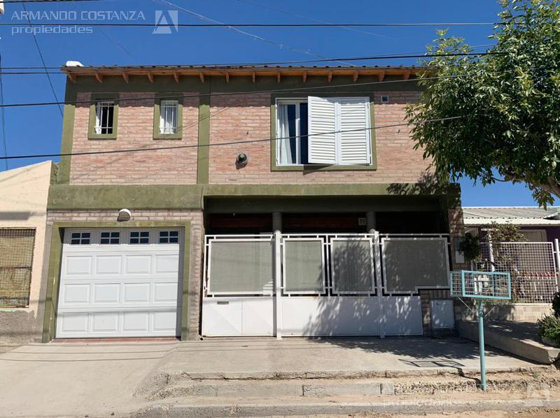 Foto Casa en Venta |  en  Puerto Madryn,  Biedma  SAN LUIS, ENTRE LAVALLE Y DORREGO