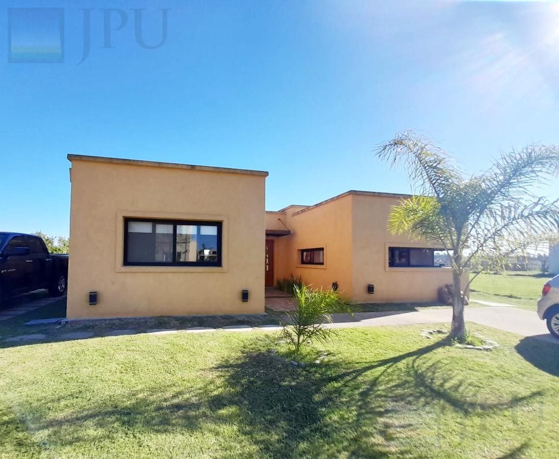 Foto Casa en Venta en  El Canton,  Countries/B.Cerrado (Escobar)  Barrio Islas al 500