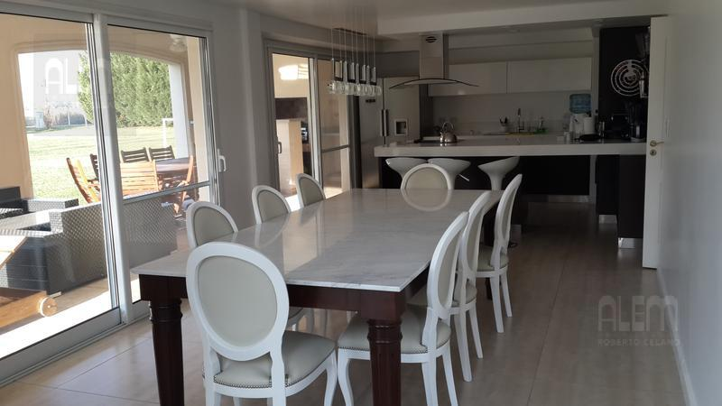 Foto Casa en Venta en  San Eliseo ,  Presidente Peron  San Eliseo | Imponente Propiedad!