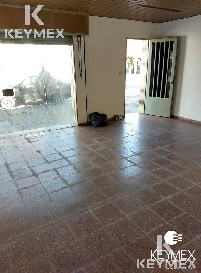 Foto Local en Venta en  Tolosa,  La Plata  529 entre 8 y 9