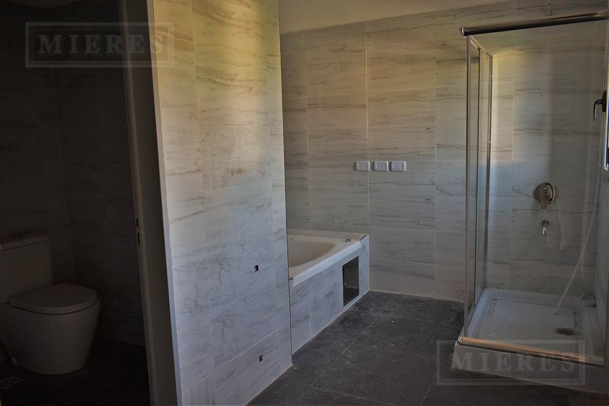 Mieres Propiedades - Casa de 321 mts en Las Liebres