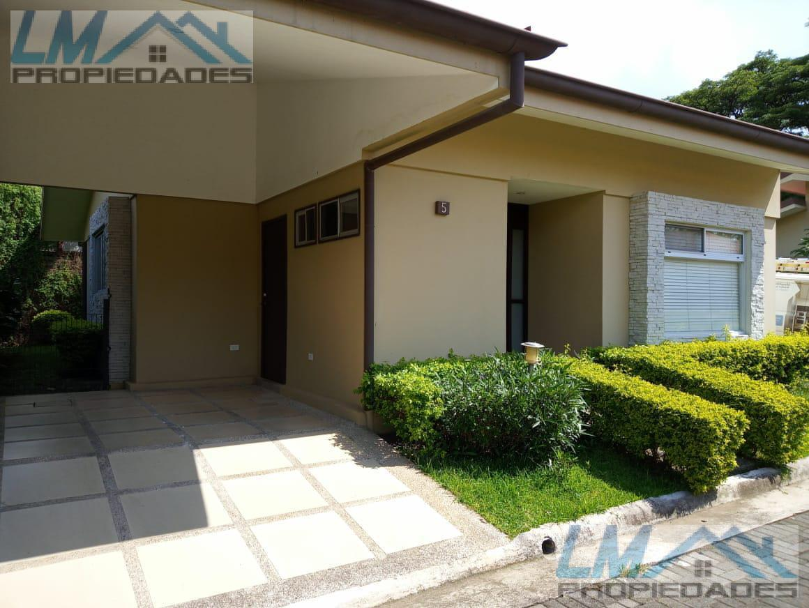 Foto Casa en condominio en Renta en  Pozos,  Santa Ana  Pozos, Santa Ana