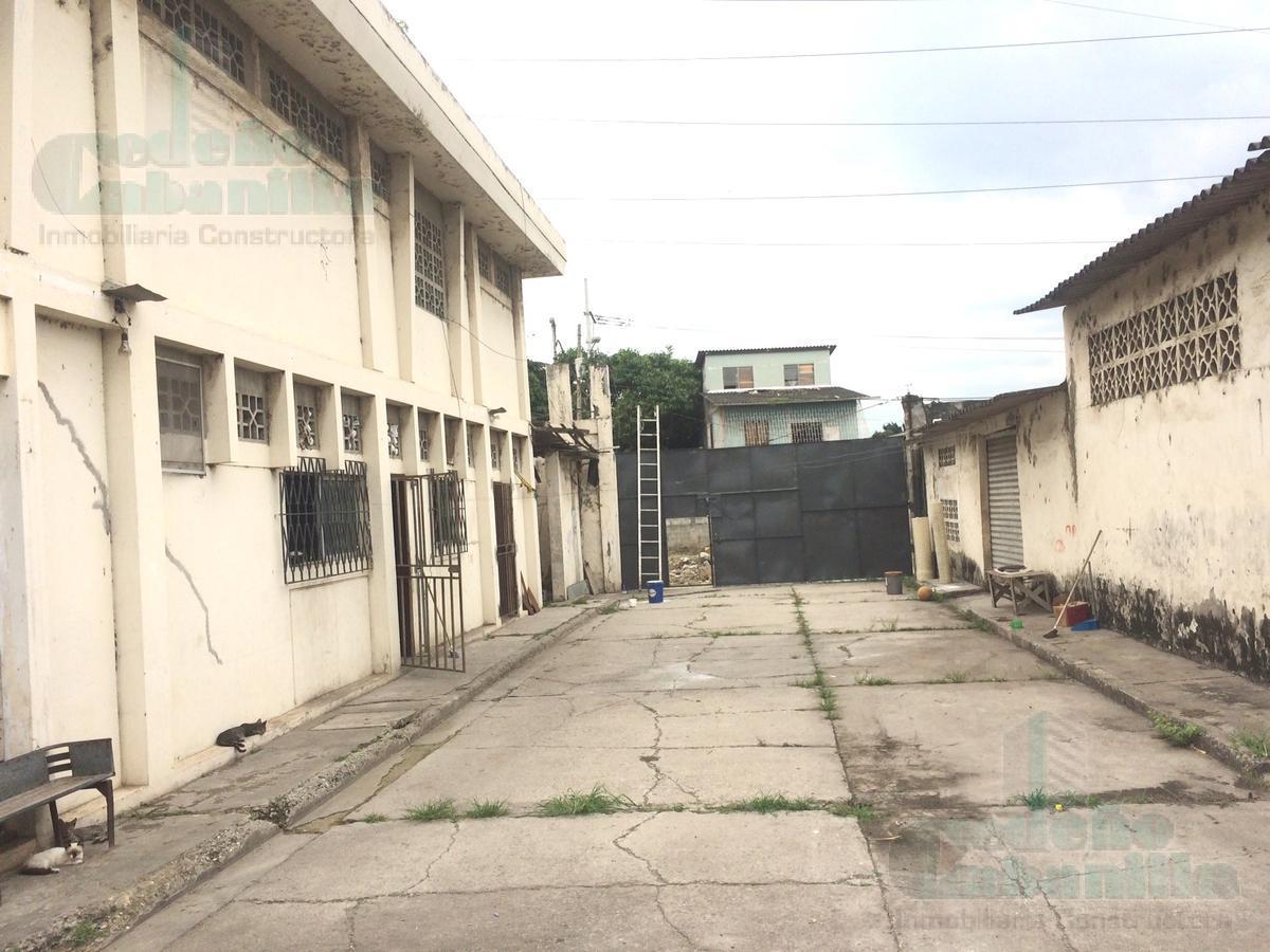 Foto Edificio Comercial en Venta en  Sur de Guayaquil,  Guayaquil  AMPLIAS OFICINAS Y BODEGAS AL SUR DE GUAYAQUIL VENDO