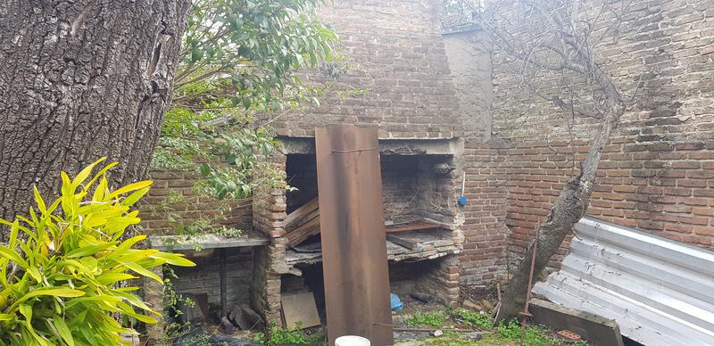 Foto Casa en Venta en  Banfield Este,  Banfield  Monseñor A. Schell 1658