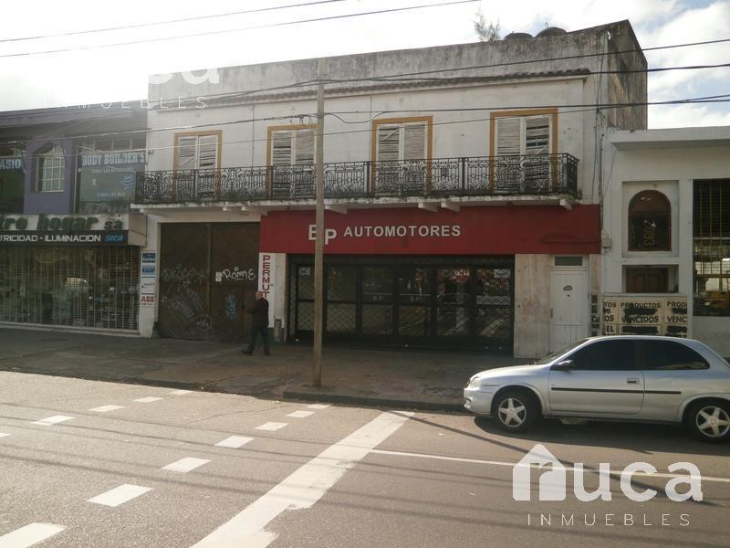 Foto Local en Alquiler en  Beccar,  San Isidro  Local con gran frente en el centro de Beccar!! Av. Centenario 2100