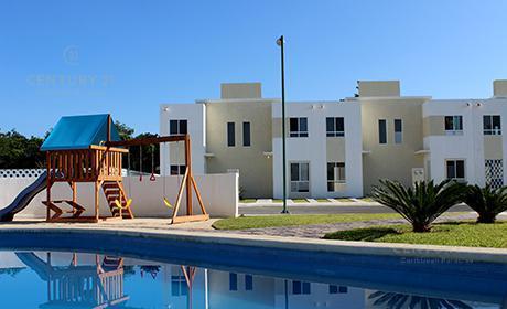 Foto Casa en Venta en  Playa del Carmen ,  Quintana Roo  En venta hermosa casa de 2 recámaras 1 estudio en Fraccionamiento Palmas II , Playa del Carmen P2912