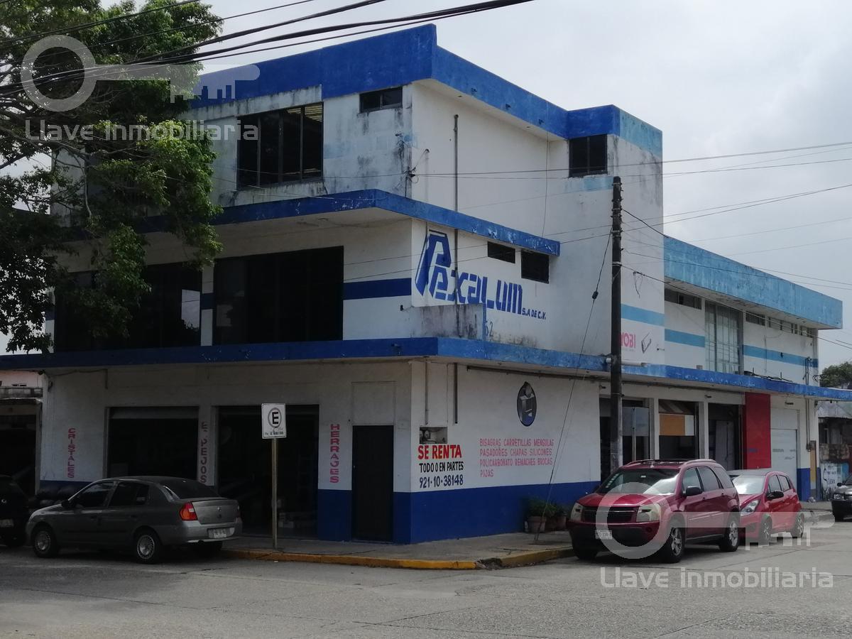Foto Local en Venta en  Coatzacoalcos ,  Veracruz  Venta de Edificio Comercial en Av. Malpica, Colonia Centro.