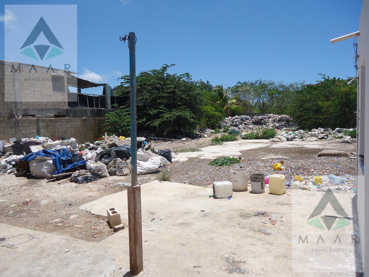 Foto Terreno en Renta en  Cancún,  Benito Juárez  Se Renta Terreno en Cancun en Av. Rancho Viejo 1,000mts