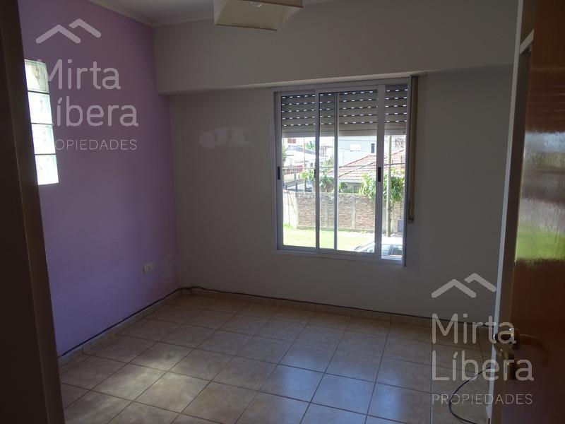 Foto Departamento en Venta en  Villa Elvira,  La Plata  6 76 y 77