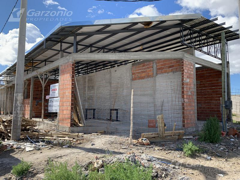 Foto Local en Venta en  Trelew ,  Chubut  AL POZO, último Local en Musters esq. Owen